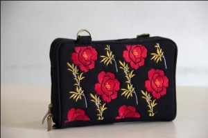 dompet naica Black Rose