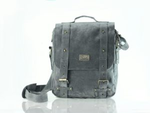 raquer man large grey